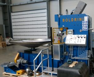 Boldrini@blue flanging machine with a dished head